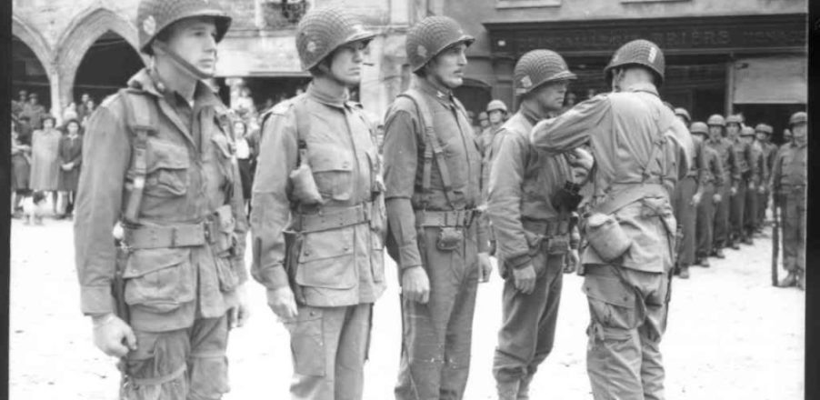 ceremonie_place_republique_soldats_americain_silver_star_101_airborne_carentan_juin_1944