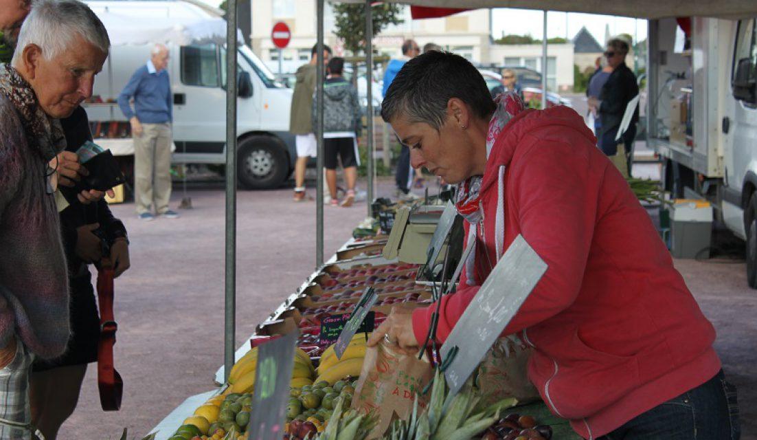Marché du terroir et de l'artisanat_2017 SME©OT Baie du Cotentin (38)
