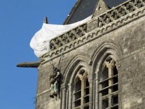 baie du cotentin parachutiste clocher john steele sainte mere eglise dday debarquement normandie cotentin