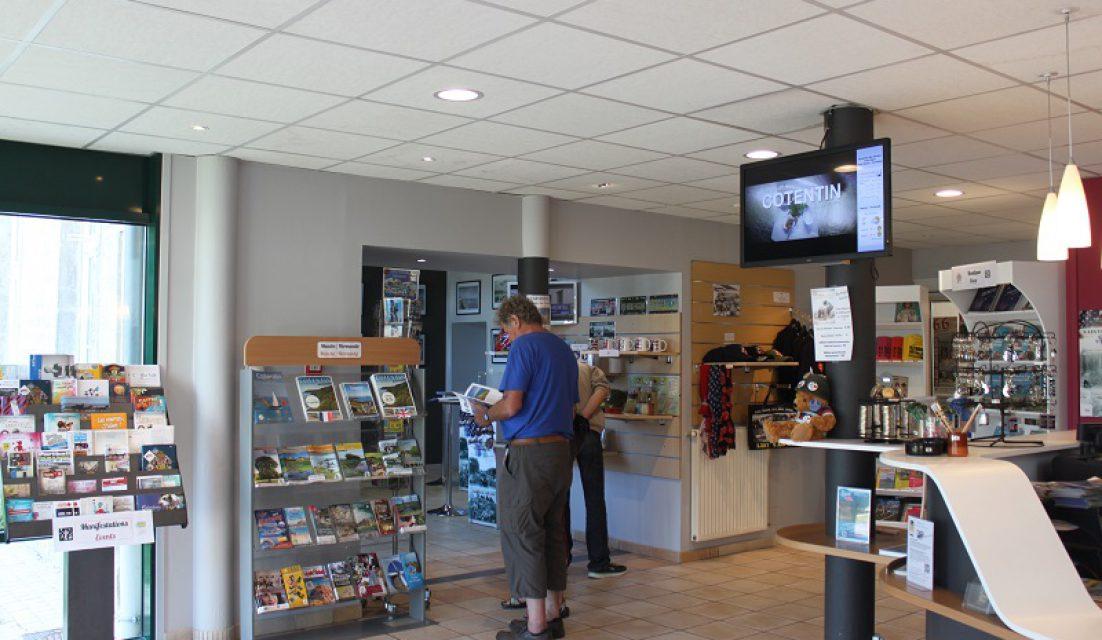 office tourisme accueil information guide touristique baie cotentin sainte mere eglise