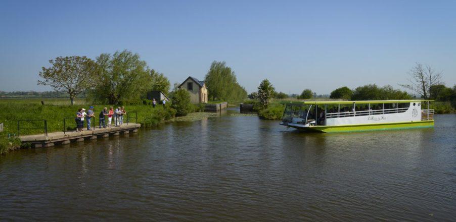 promenade fluviale bateau marais rosee soleil taute baie cotentin