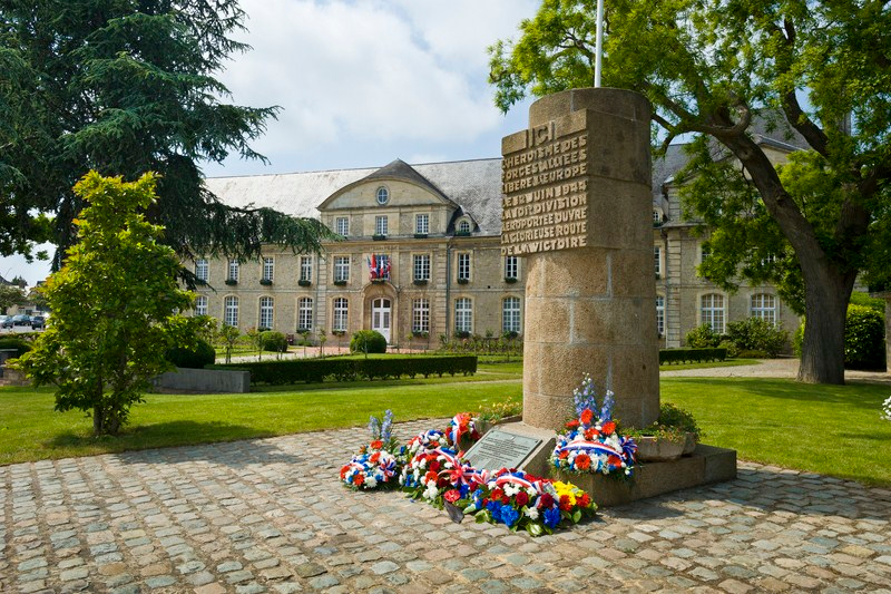 Carentan, Monument Signal - Marc Lerouge