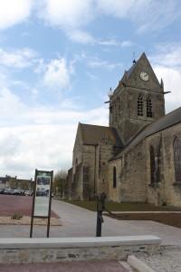 place église Sainte Mère Eglise pompe à eau