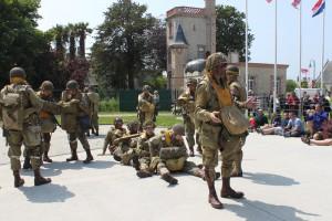 para_parachutiste_equipement_stick_juin_dday_airborne_museum_sainte_mere_eglise_baie_cotentin