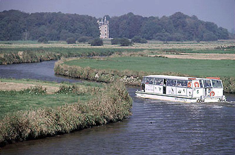 promenade_marais_bateau_fluviale_riviere_douve_parc_baie_cotentin_carentan