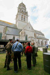 baie du cotentin animation dday camp reconstitue juin eglise sainte marie mont