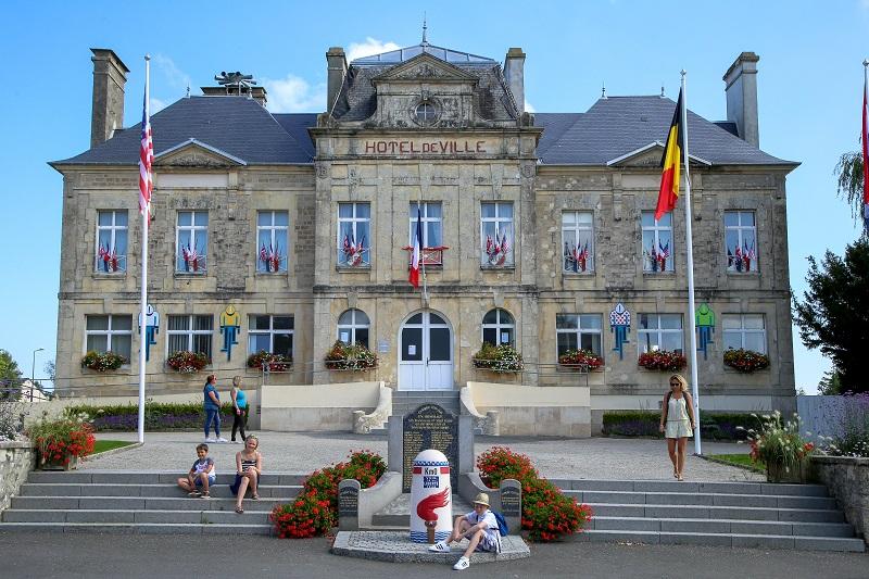 Borne km 0_mairie Sainte Mère Eglise©C. Cauchard (1)